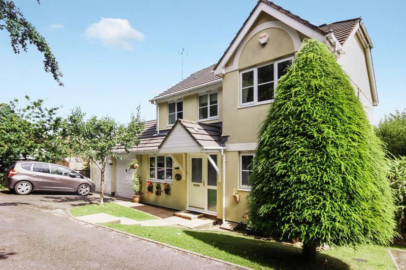4 Bedrooms Property for sale in Vicarage Road, Okehampton