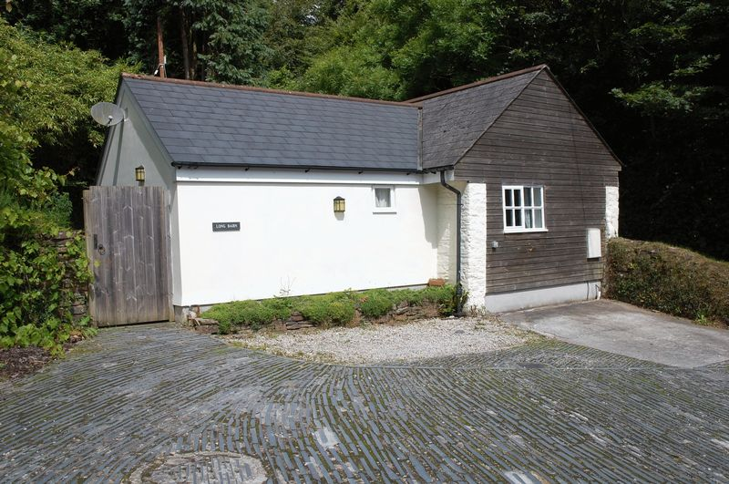 2 Bedrooms Property for sale in Tanhouse Road, Lostwithiel