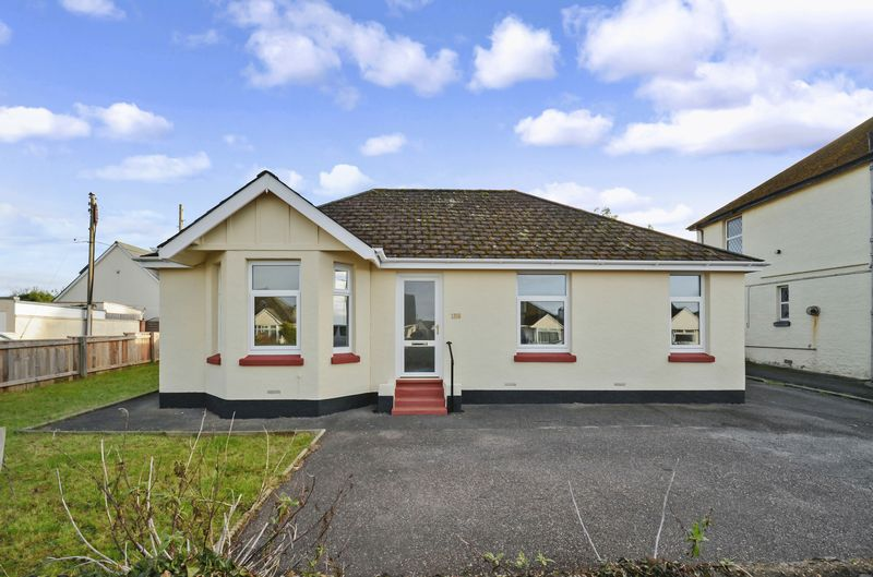 3 Bedrooms Property for sale in Exeter Road Kingsteignton, Newton Abbot