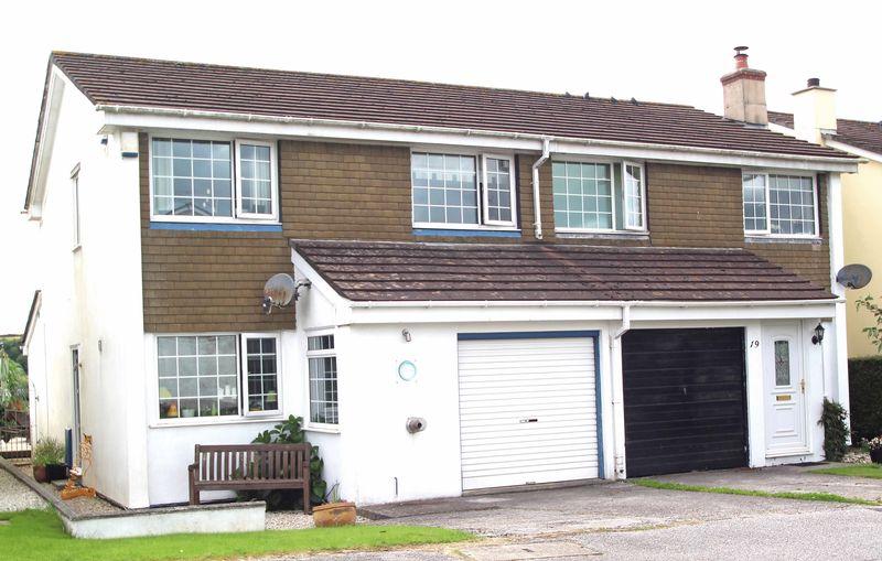 3 Bedrooms Property for sale in Bospolvans Road, ST COLUMB MAJOR