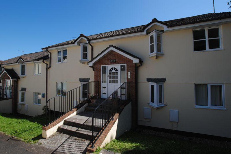 2 Bedrooms Property for sale in Biscombe Gardens, Saltash