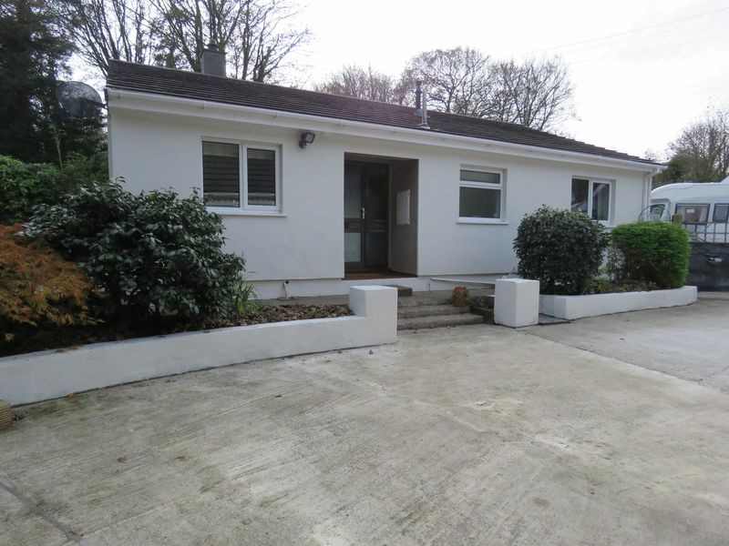 3 Bedrooms Property for sale in High Street Chacewater, Truro