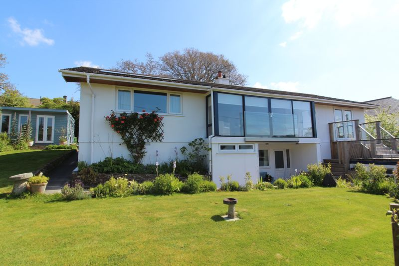 4 Bedrooms Property for sale in Trevellan Road Mylor Bridge, Falmouth
