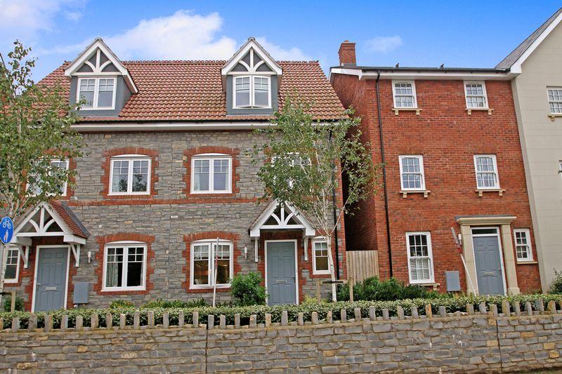 4 Bedrooms Property for sale in Glastonbury Road, Wells