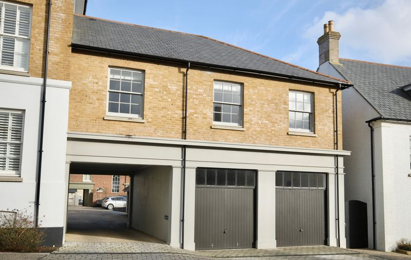 2 Bedrooms Property for sale in Chetcombe Mews Poundbury, Dorchester