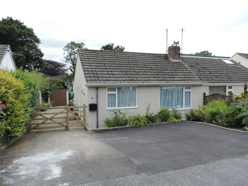 2 Bedrooms Property for sale in Moresk Close, Truro