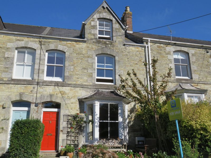4 Bedrooms Property for sale in The Avenue, Truro