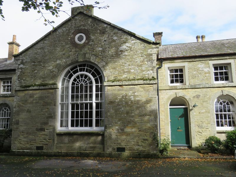 2 Bedrooms Property for sale in Yew Tree Court, Truro