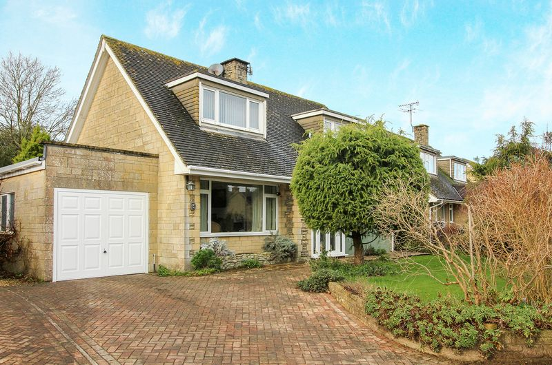 3 Bedrooms Property for sale in Beacon View, Warminster