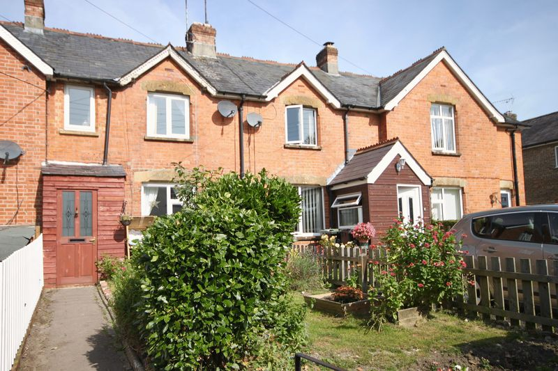 3 Bedrooms Property for sale in Bull Lane Maiden Newton, Dorchester