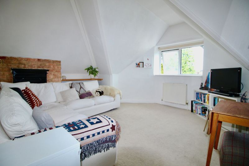 1 Bedroom Property for sale in 46 Alumhurst Road, Bournemouth