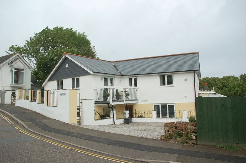 3 Bedrooms Property for sale in Boskerris Road Carbis Bay, St. Ives