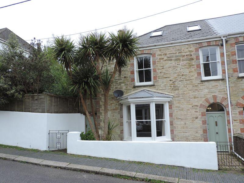 4 Bedrooms Property for sale in Harrison Terrace, Truro