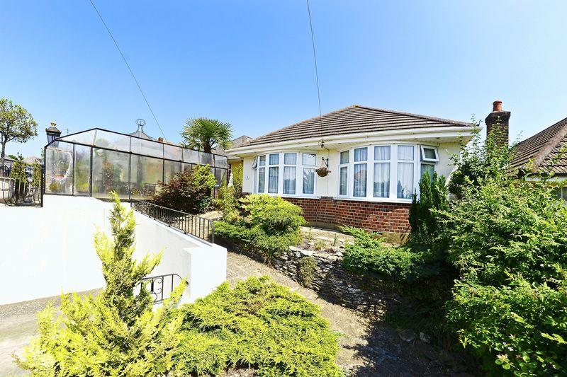 4 Bedrooms Property for sale in Alder Road, Poole