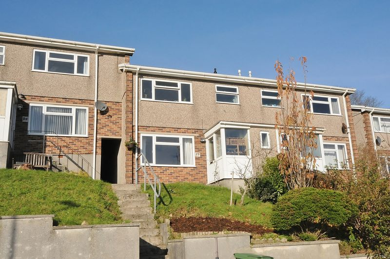3 Bedrooms Property for sale in Norfolk Close Laira, Plymouth