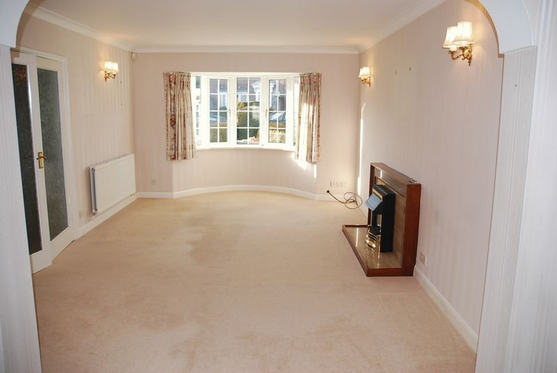 3 Bedrooms Property for sale in Thorncliff Close Wellswood, Torquay