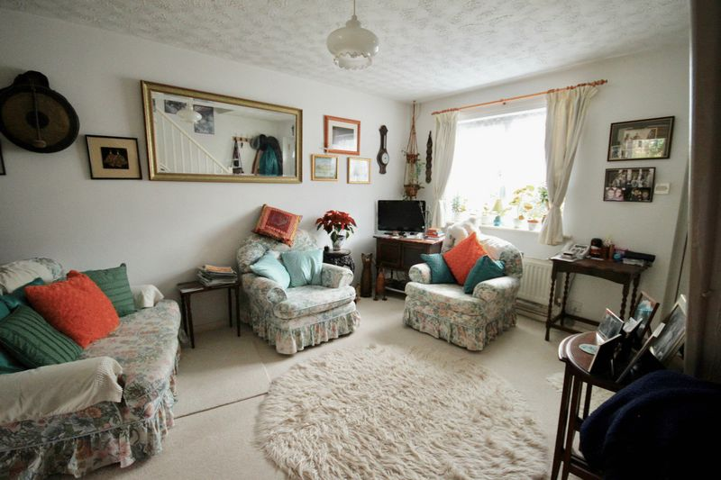 2 Bedrooms Property for sale in Balmoral Crescent, Dorchester
