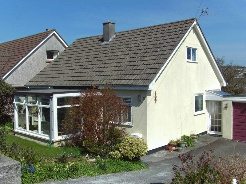 3 Bedrooms Property for sale in Mitchell Road, St. Austell