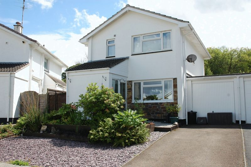 3 Bedrooms Property for sale in Coffee Lake Meadow, Lostwithiel