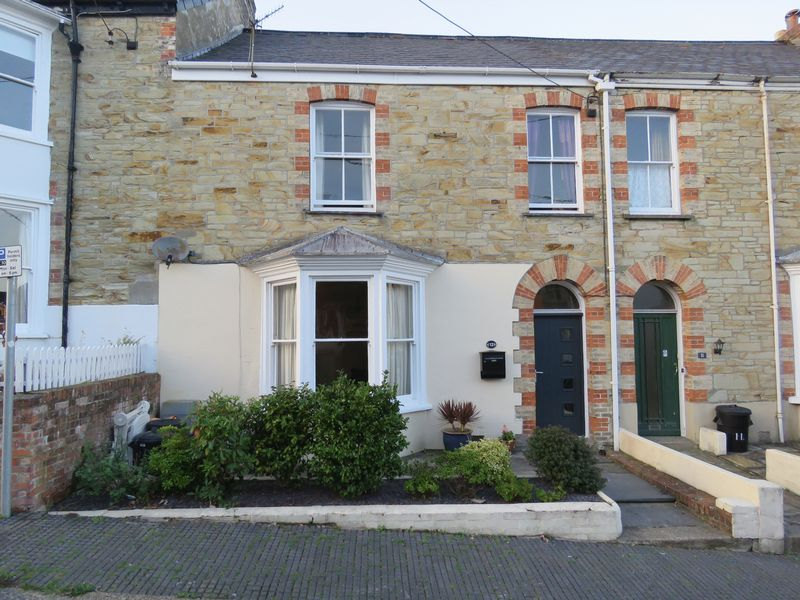 3 Bedrooms Property for sale in Harrison Terrace, Truro