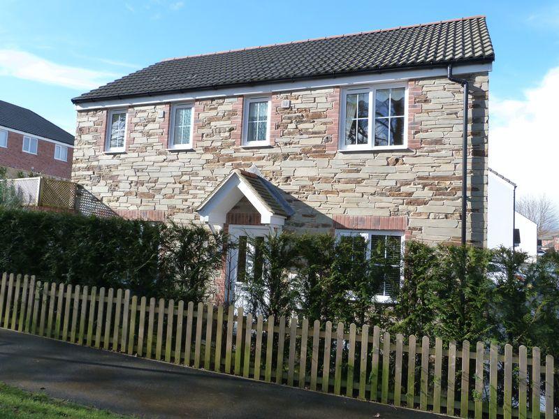 3 Bedrooms Property for sale in Hockings Green, Liskeard
