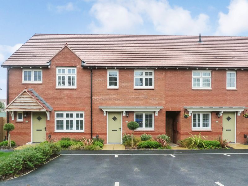 2 Bedrooms Property for sale in Goldfinch Close Kingsteignton, Newton Abbot