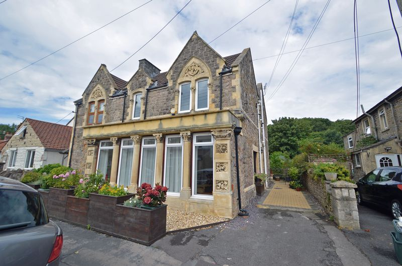 4 Bedrooms Property for sale in Old Church Road, Clevedon