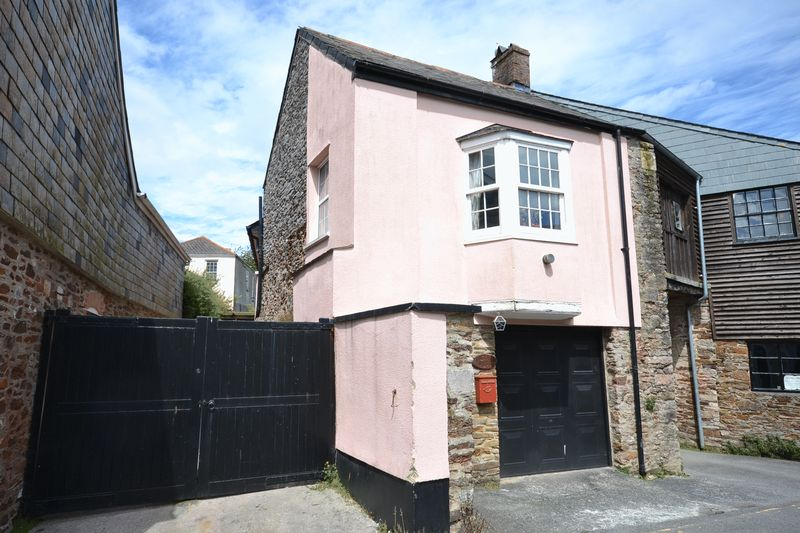 1 Bedroom Property for sale in South Street, Totnes