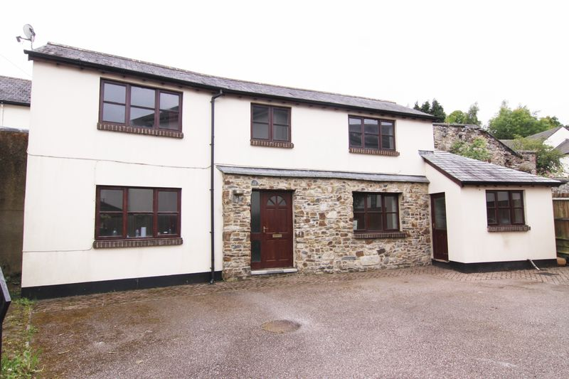 2 Bedrooms Property for sale in West Street, Okehampton