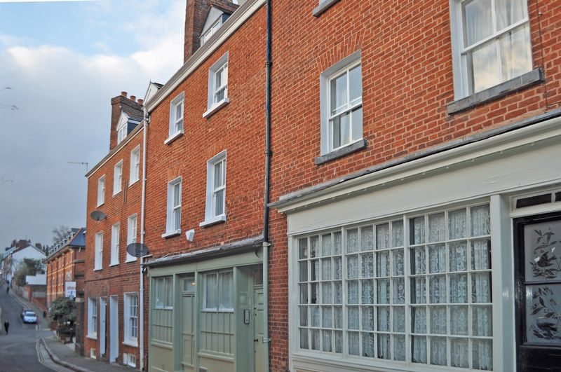 3 Bedrooms Property for sale in Lower North Street St Davids, Exeter