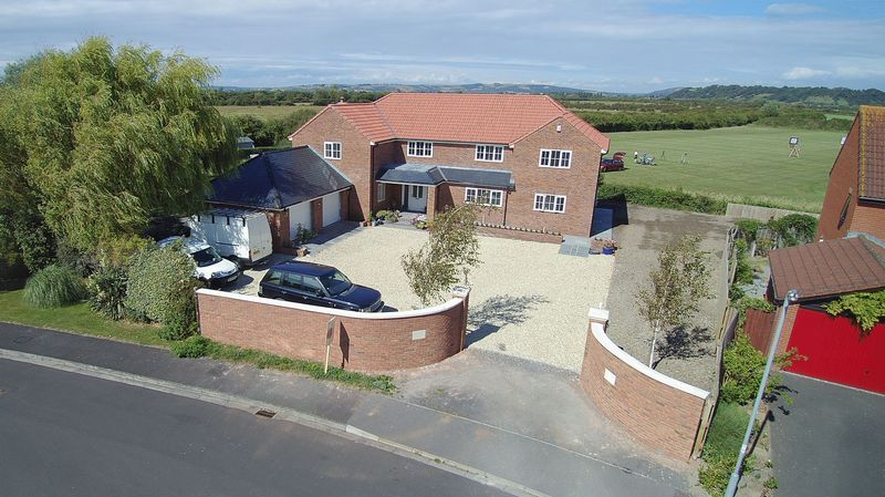 4 Bedrooms Property for sale in 39a Conway Crescent, Burnham-On-Sea