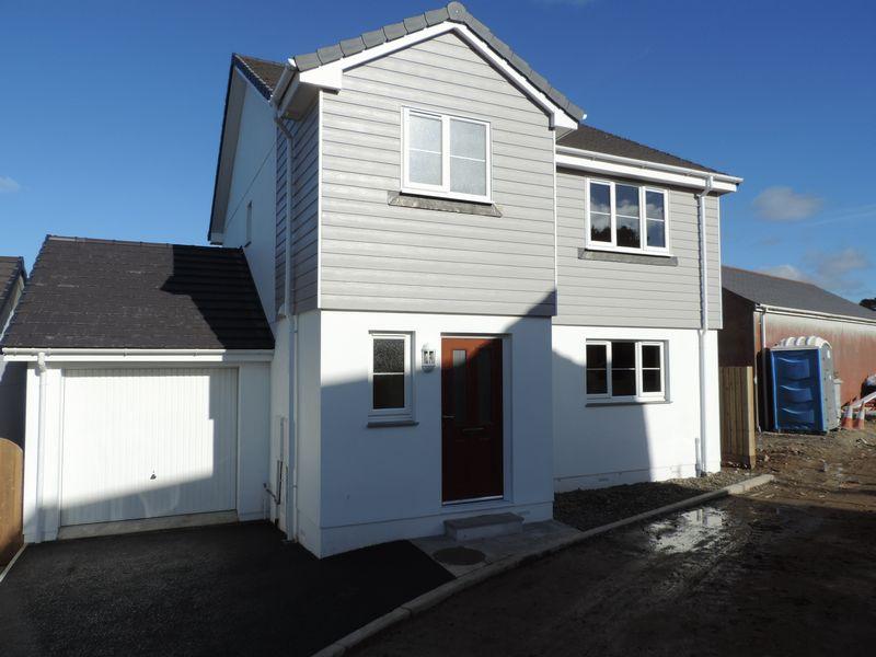 3 Bedrooms Property for sale in Park Rosmoren Treleigh, Redruth