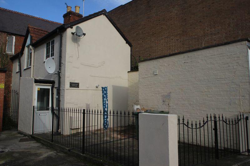 2 Bedrooms Property for sale in Silver Street, Glastonbury