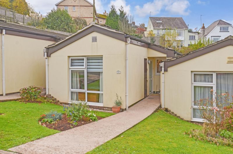 1 Bedroom Property for sale in Jurys Corner Close Kingskerswell, Newton Abbot