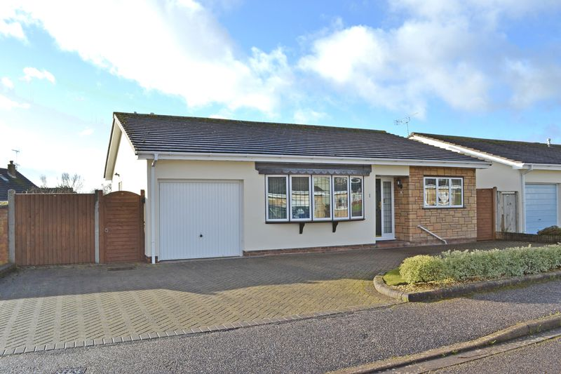 2 Bedrooms Property for sale in Hides Road, Sidmouth
