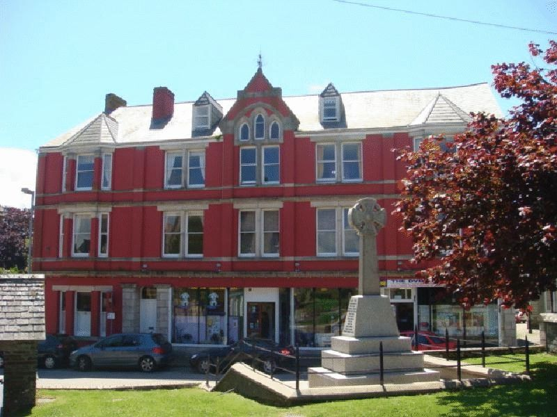 1 Bedroom Property for sale in Market Place, St. Columb