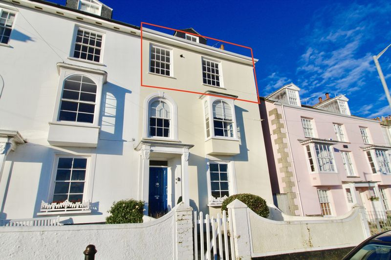 2 Bedrooms Property for sale in Dunstanville Villas, Falmouth