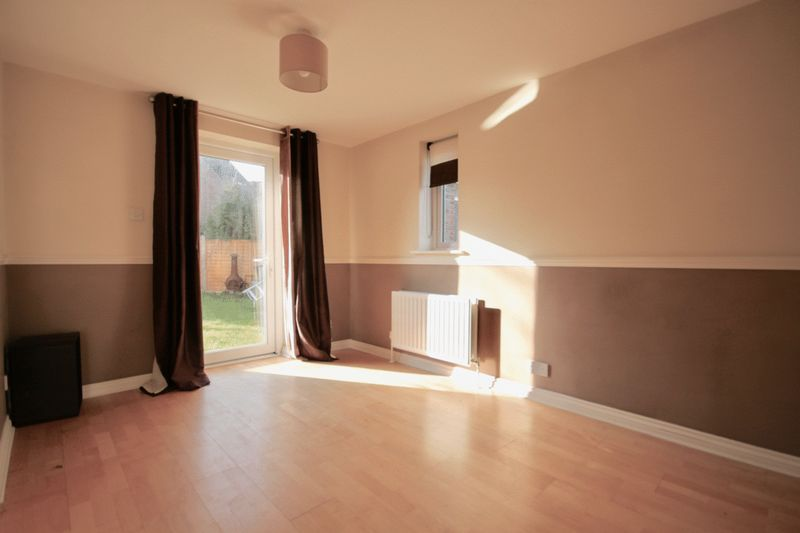2 Bedrooms Property for sale in Woodsford Close Crossways, Dorchester