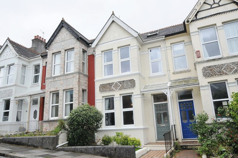 3 Bedrooms Property for sale in Edgcumbe Park Road Peverell, Plymouth