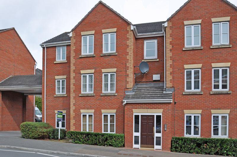 2 Bedrooms Property for sale in Kinnerton Way Exwick, Exeter