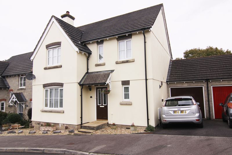 4 Bedrooms Property for sale in Herons Brook, Okehampton