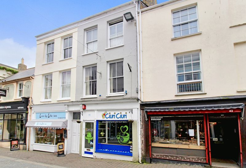 3 Bedrooms Property for sale in Church Street, Falmouth