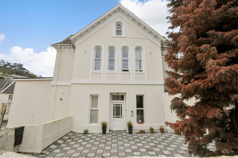 1 Bedroom Property for sale in Babbacombe Road, Torquay