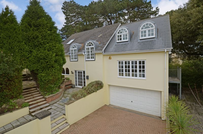 4 Bedrooms Property for sale in Courtenay Road Wolborough Hill, Newton Abbot