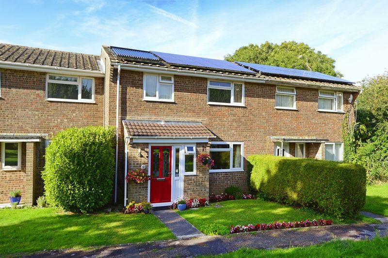 3 Bedrooms Property for sale in Hillside Road Wool, Wareham