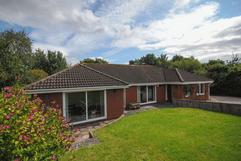 3 Bedrooms Property for sale in Higher Down Kenton, Exeter
