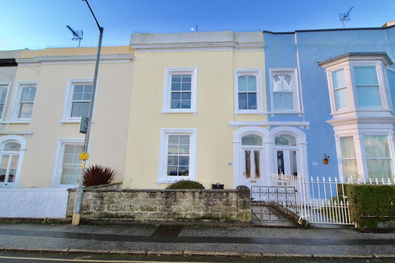 3 Bedrooms Property for sale in Harbour Terrace, Falmouth