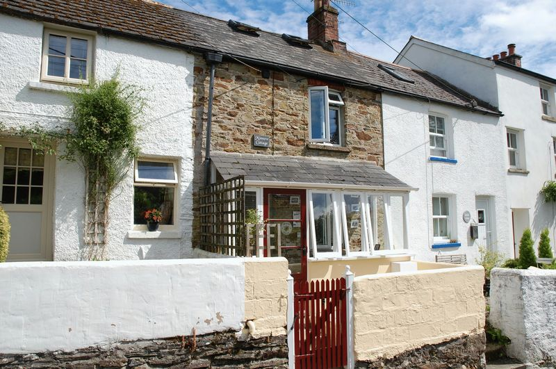 1 Bedroom Property for sale in Mill Hill, Lostwithiel