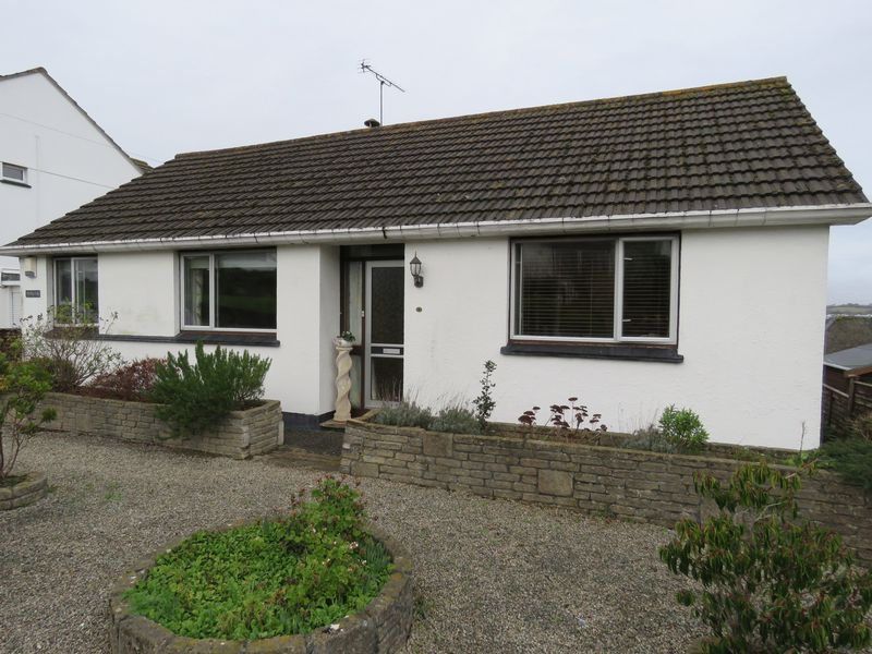 3 Bedrooms Property for sale in Treworder Road, Truro