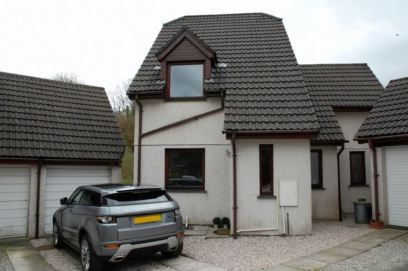 3 Bedrooms Property for sale in Rosehill Close, Lostwithiel